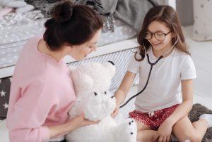 aiutare il tuo bambino a superare un trauma medico