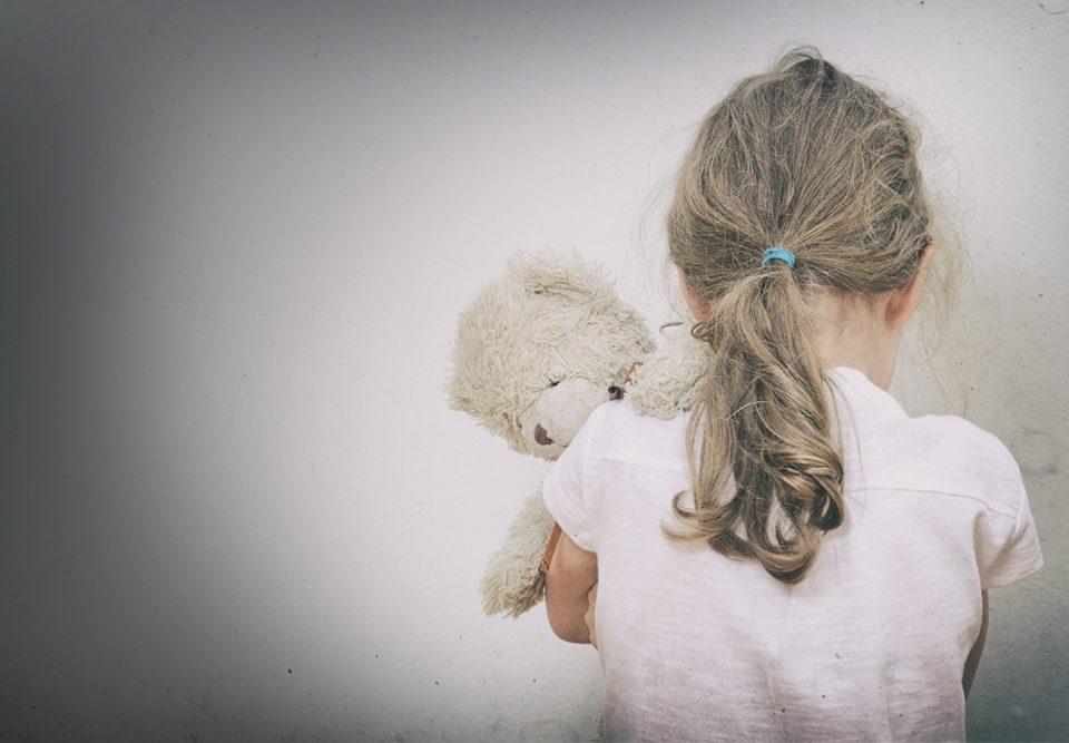 assistere alla violenza domestica